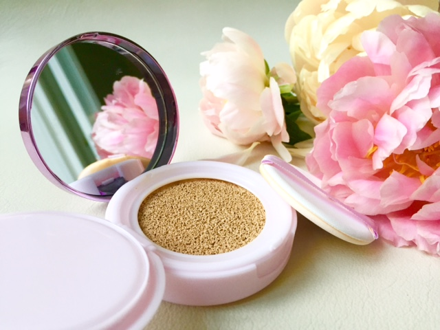 L'Oreal Nude Magique (or True Match Lumi?) Cushion Foundation   Life in a Cold Climate